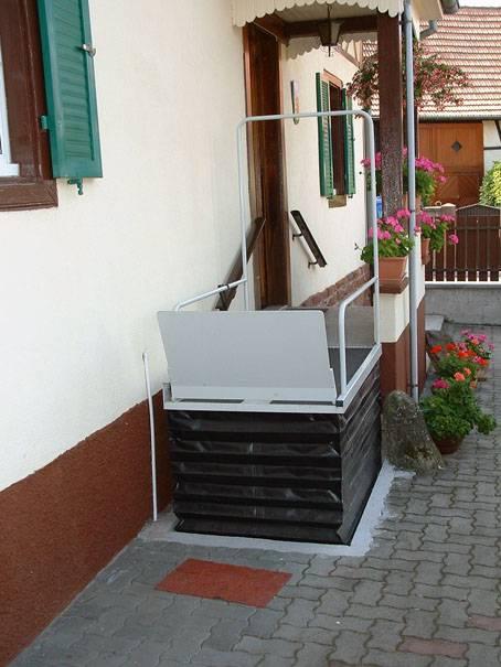 Cout D Un Monte Escalier Tournant Avec Repose Pieds Pour Petit Escalier A Nimes Dans Le Gard Mobideal